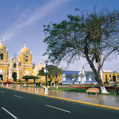 destinations-north-coast-plaza-de-armas-trujillo